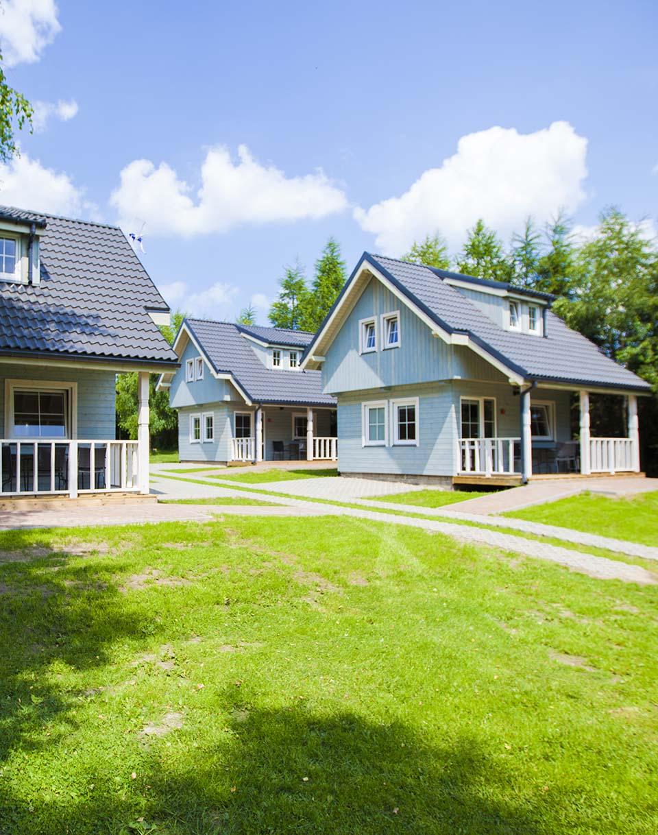 Drewniane domki parterowe i piętrowe